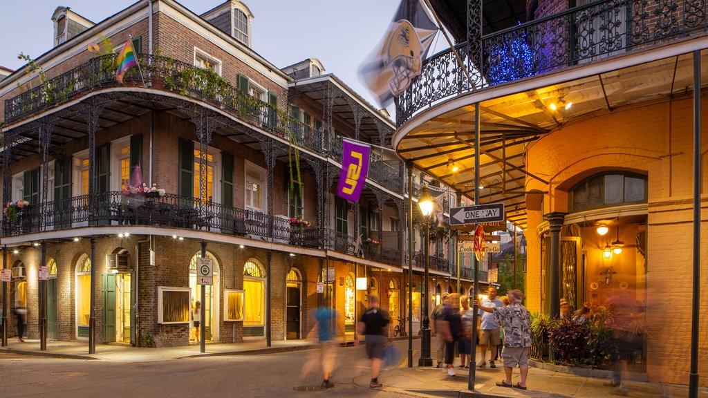 French Quarter featuring night scenes, nightlife and street scenes