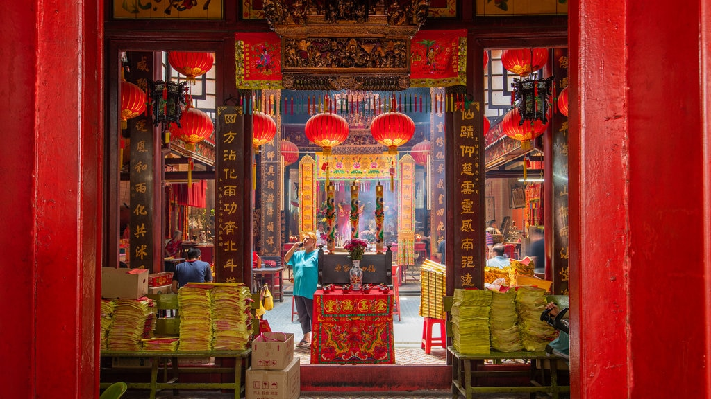 Sin Sze Si Ya Temple showing interior views and heritage elements