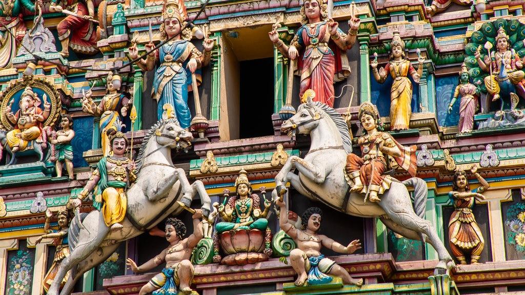 Templo Sri Maha Mariamman que incluye elementos del patrimonio