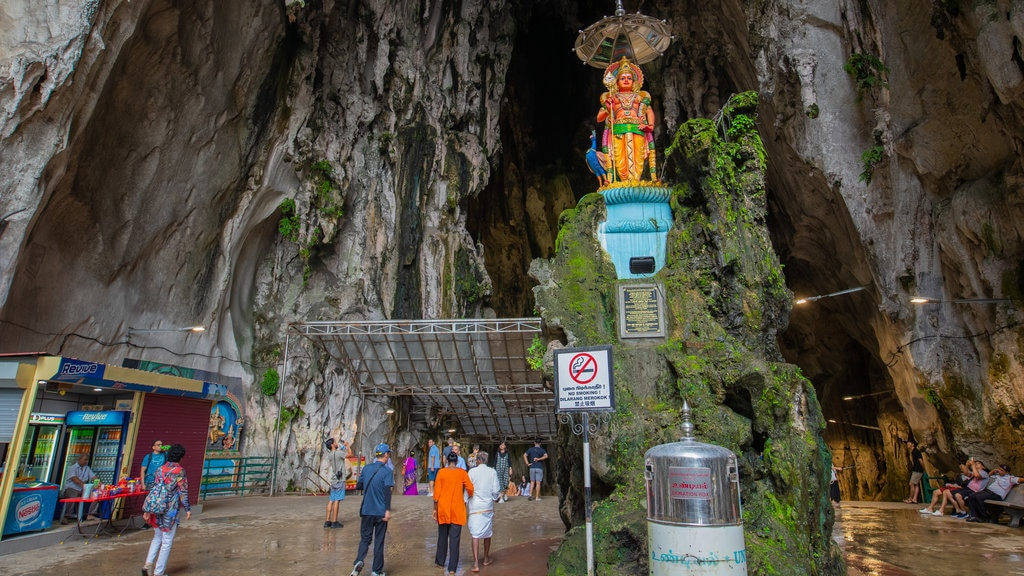 Batu Caves showing caving and caves