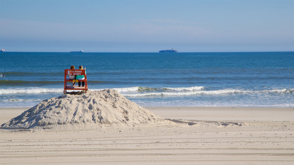 New York which includes general coastal views and a sandy beach as well as a couple