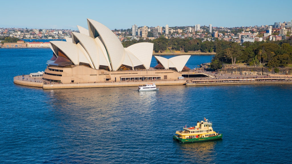 Sydney showing a bay or harbor, modern architecture and boating