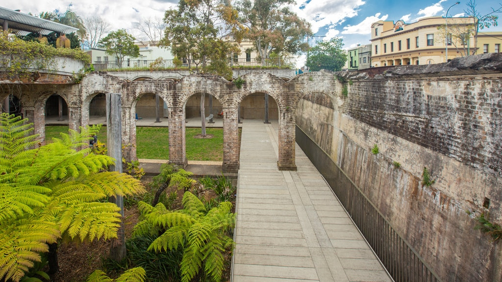 Paddington ofreciendo elementos del patrimonio