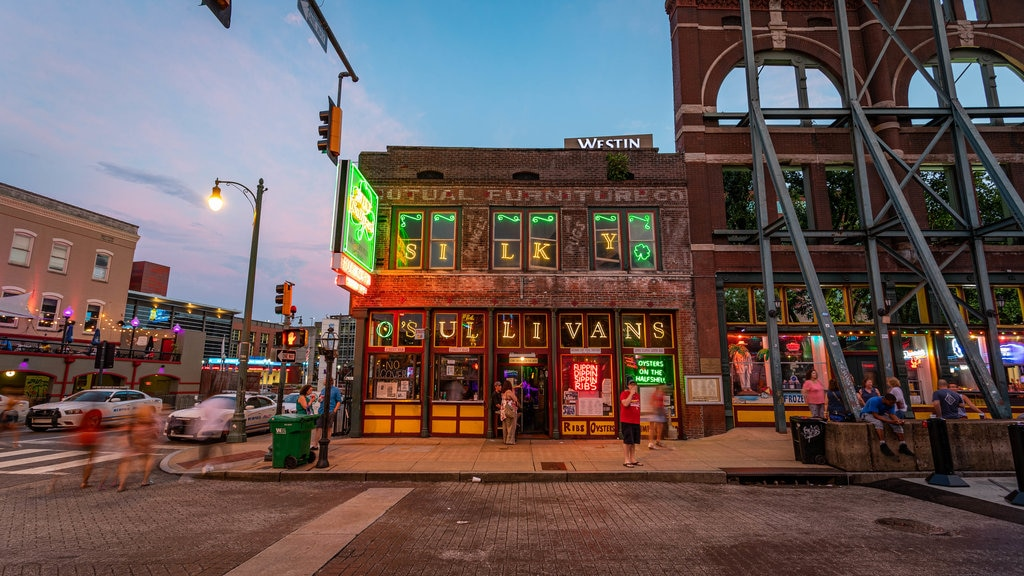 Downtown Memphis featuring street scenes and a sunset