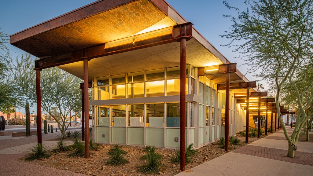 Western Spirit: Scottsdale\'s Museum of the West showing a sunset