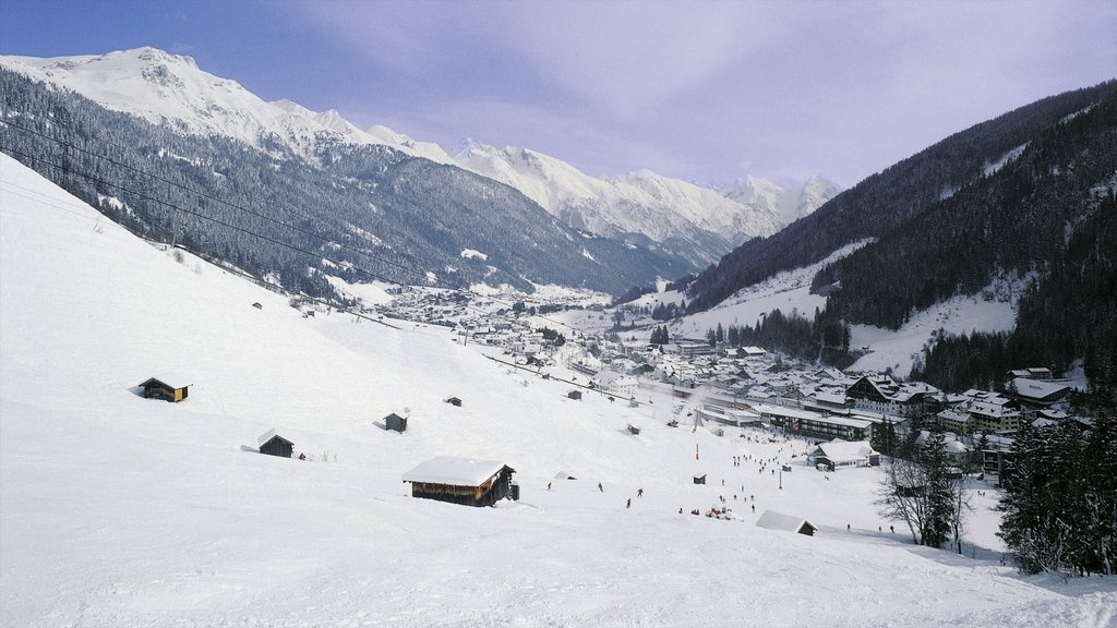 Lech am Arlberg featuring mountains, landscape views and snow
