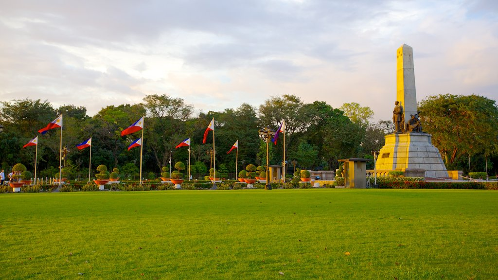 Rizal Park featuring a memorial and a park