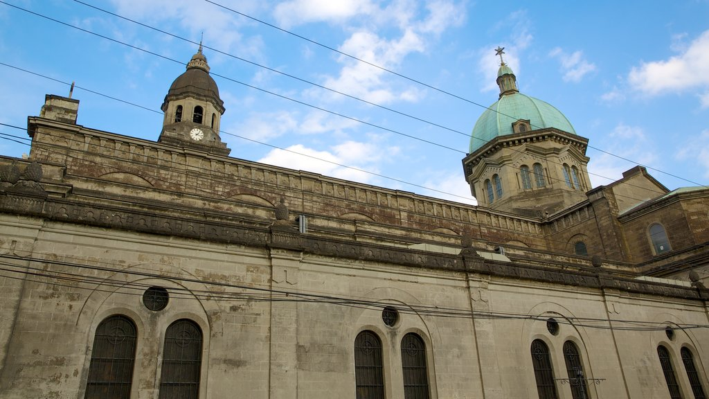 Manila Cathedral showing a church or cathedral, religious aspects and heritage elements