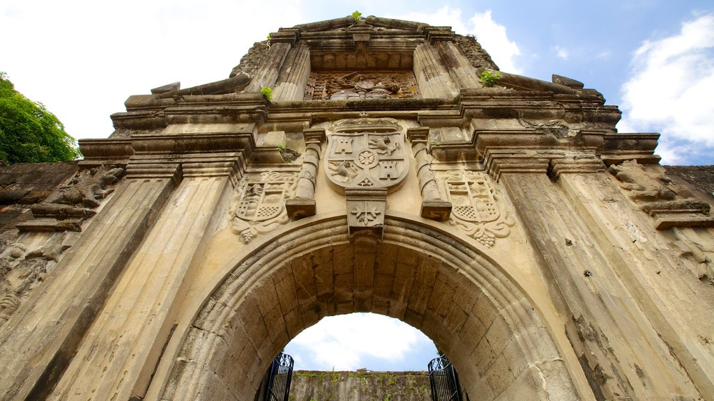 Fort Santiago which includes chateau or palace, heritage architecture and heritage elements
