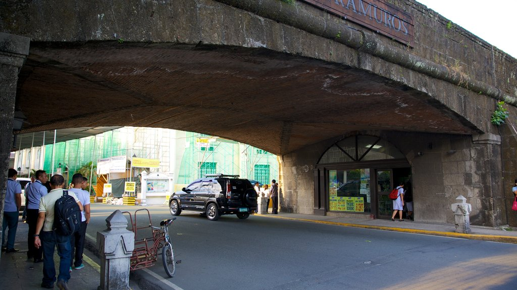 Baluarte de San Andres which includes a bridge, heritage architecture and street scenes