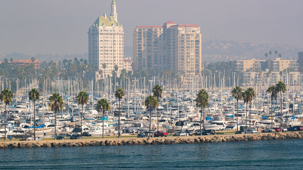 Long Beach featuring a bay or harbor, landscape views and a city