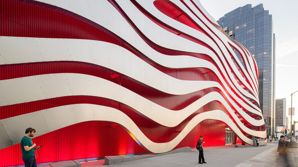 Petersen Automotive Museum featuring street scenes and modern architecture