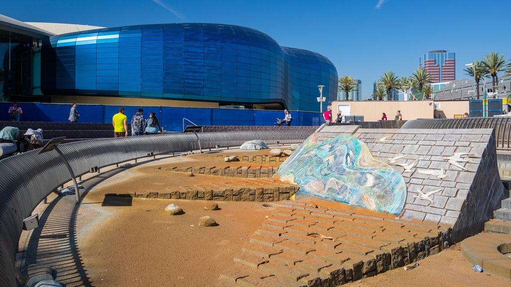 Aquarium of the Pacific featuring outdoor art