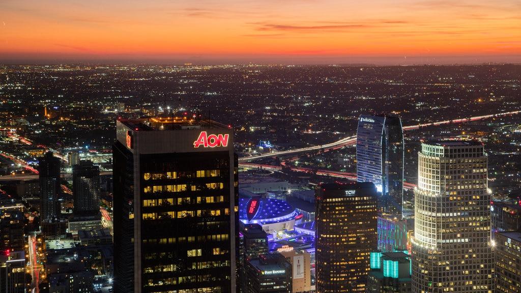 OUE Skyspace LA which includes landscape views, a sunset and a city