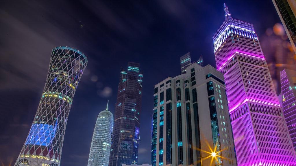 Tornado Tower featuring a city, a skyscraper and night scenes