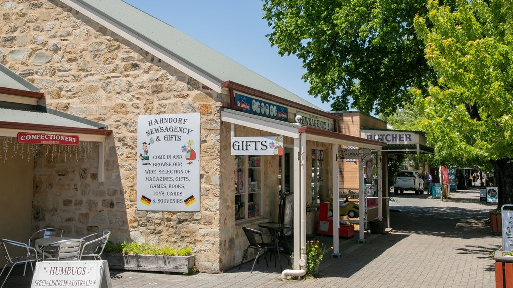 Hahndorf which includes signage