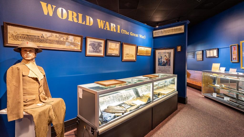 Museo militar Currahee que incluye vistas interiores