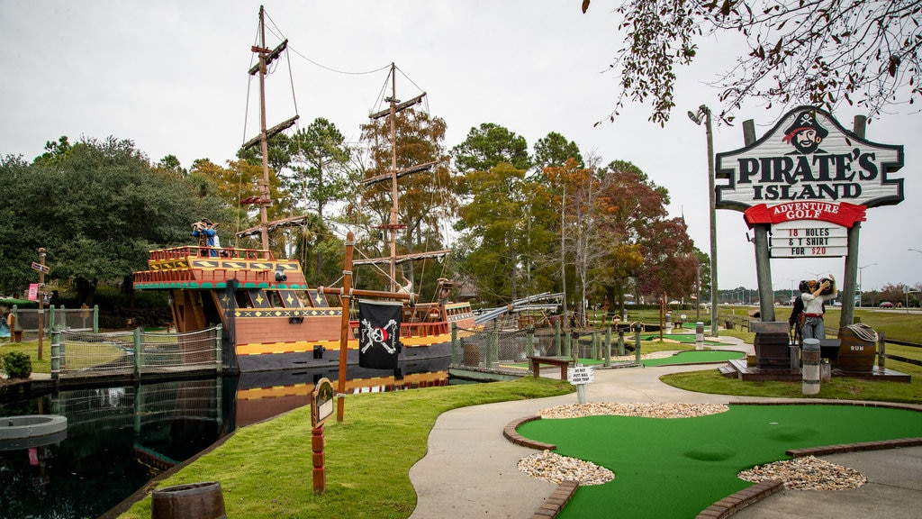 Pirate\'s Island Adventure Golf which includes golf and signage
