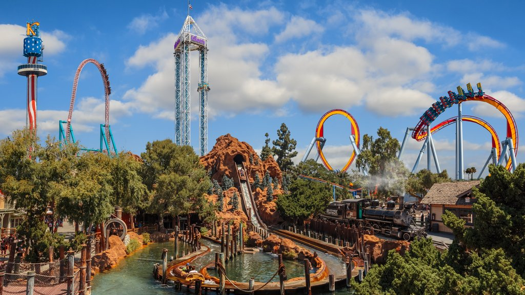 Knott\'s Berry Farm featuring landscape views and rides
