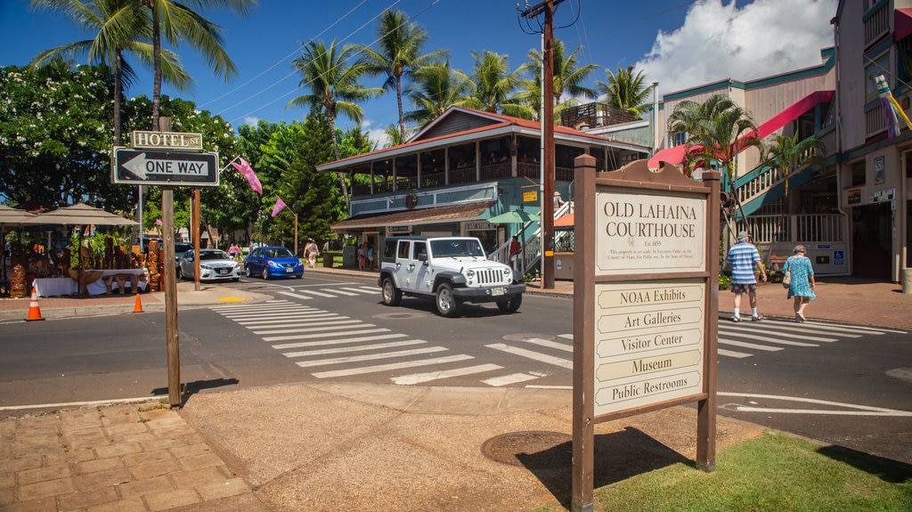 Lahaina which includes signage