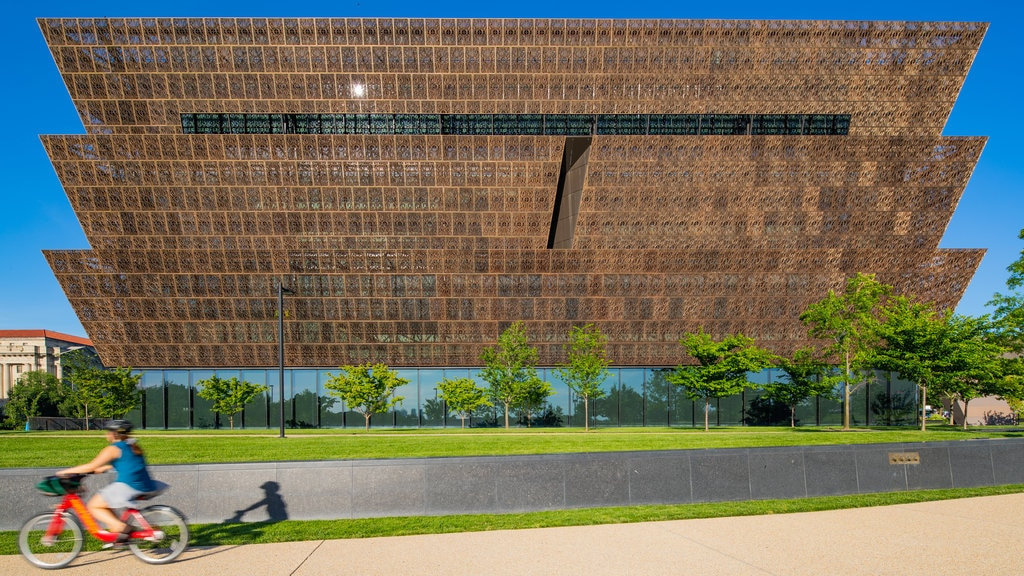 National Museum of African American History and Culture showing modern architecture