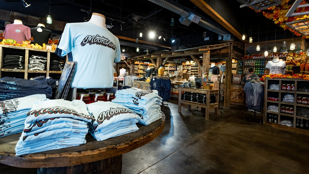 Ole Smoky Moonshine Distillery which includes shopping and interior views