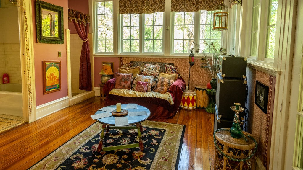 The Allman Brothers Band Museum at the Big House which includes interior views and a house