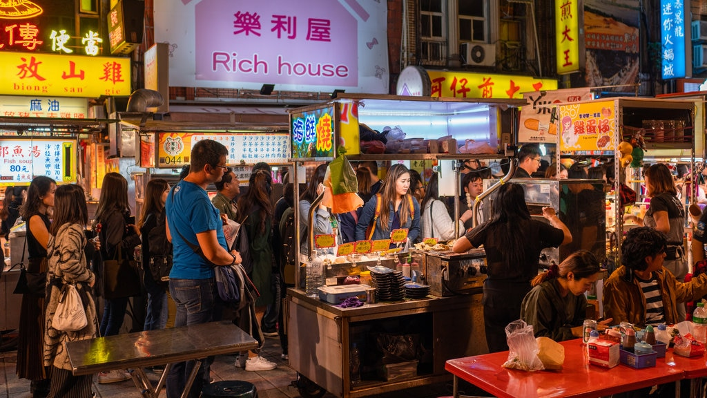 Ningxia Night Market showing markets, street scenes and night scenes