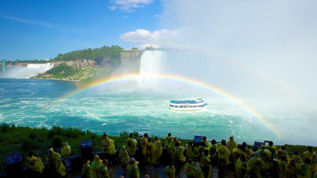 Excursión Journey Behind The Falls mostrando vistas de paisajes, un río o arroyo y paseos en lancha