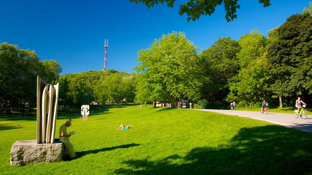 Mount Royal Park showing outdoor art, a park and a statue or sculpture