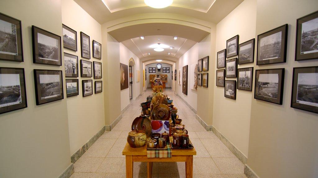 Saskatchewan Legislative Building featuring an administrative buidling, heritage elements and interior views