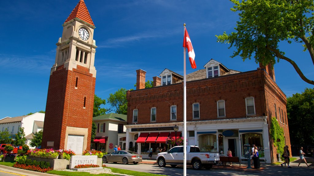 Niagara-on-the-Lake featuring heritage architecture, an administrative buidling and street scenes