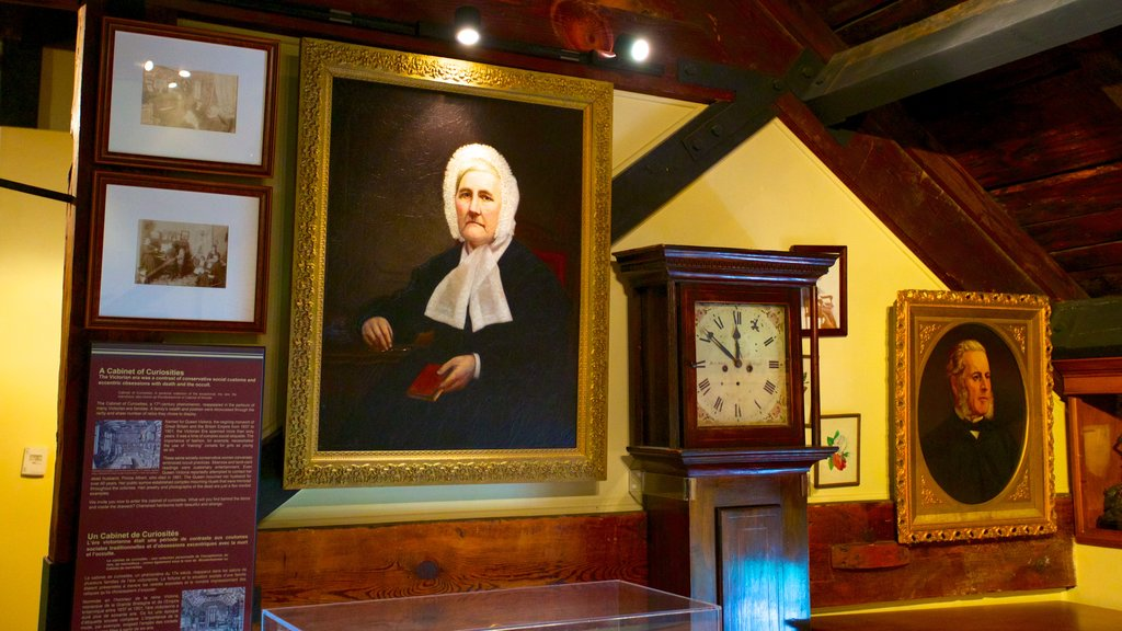 Bytown Museum featuring art, heritage elements and interior views