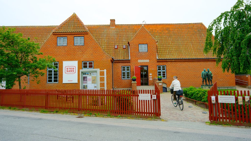 Skagens Museum which includes cycling