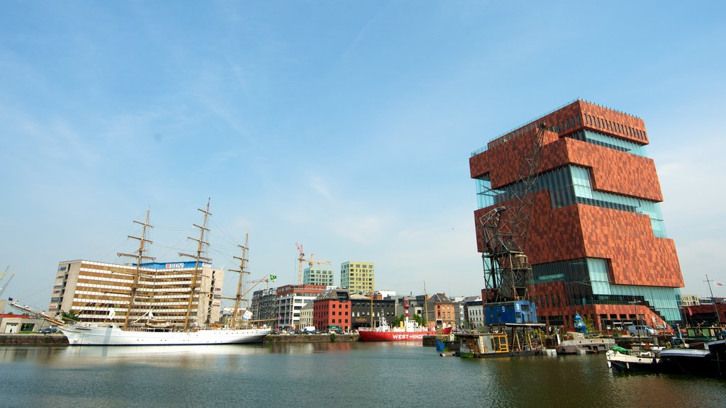Museum Aan de Stroom featuring a city, a bay or harbor and a marina