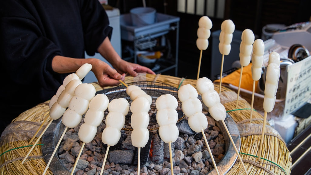 Fujikawaguchiko featuring markets and food