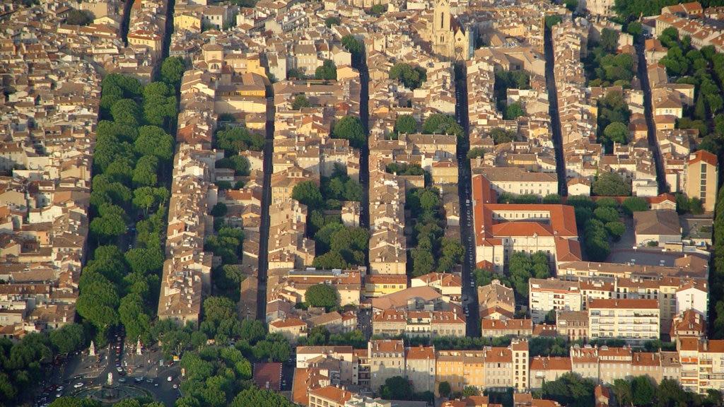 Aix-en-Provence featuring a city