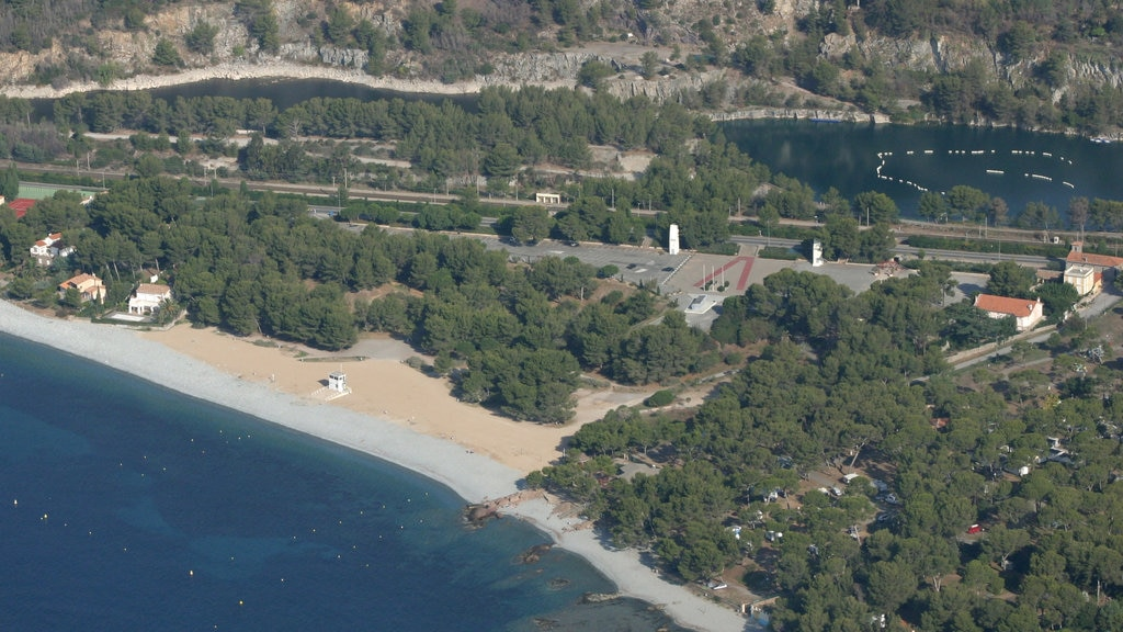 Aix-en-Provence which includes general coastal views and landscape views