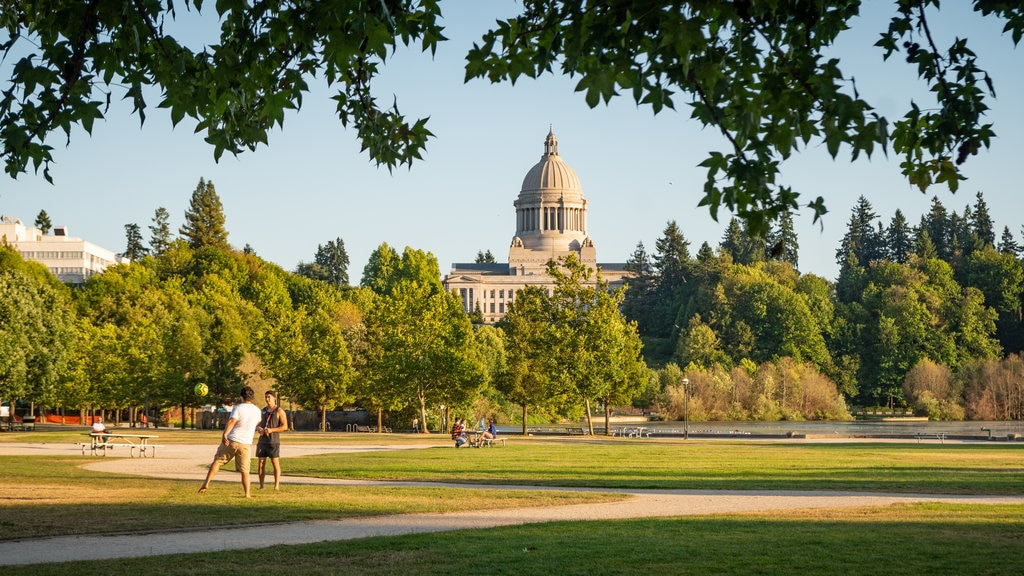 Olympia featuring heritage architecture, a park and an administrative buidling
