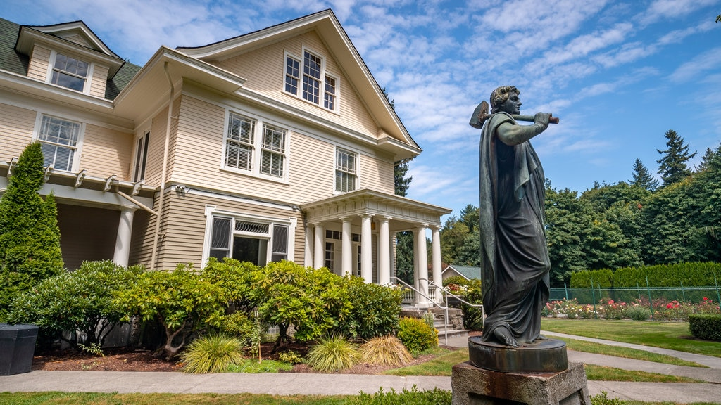 Tumwater showing a house and a statue or sculpture
