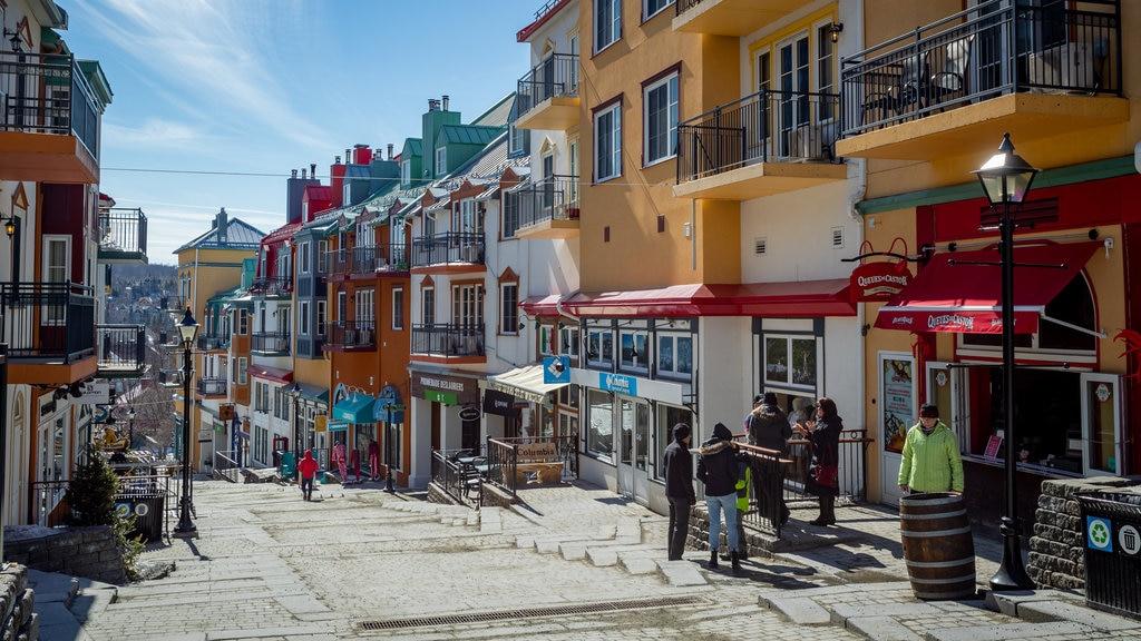 Mont-Tremblant Pedestrian Village showing street scenes
