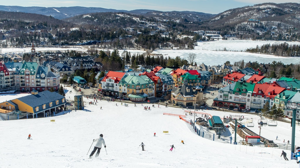 Mont-Tremblant Village which includes snow, landscape views and a small town or village