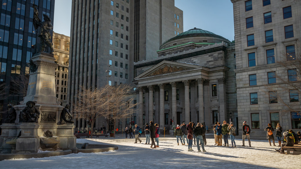 Old Montreal showing heritage architecture, an administrative buidling and a city