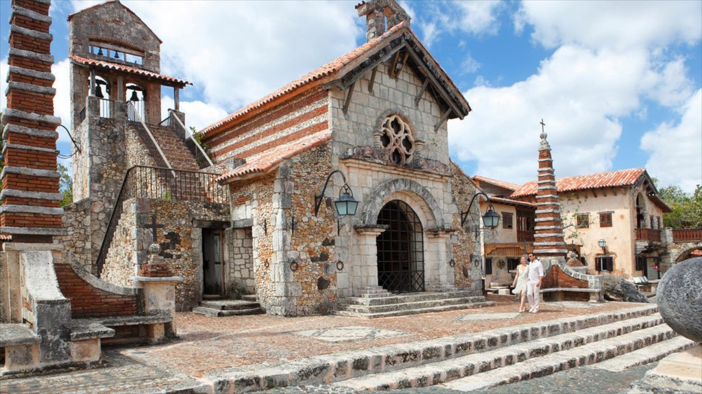 La Romana featuring a church or cathedral, a ruin and heritage architecture