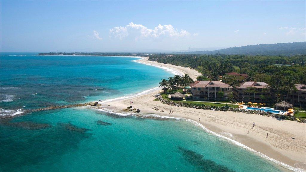 Cabarete que incluye una playa, vistas generales de la costa y escenas tropicales