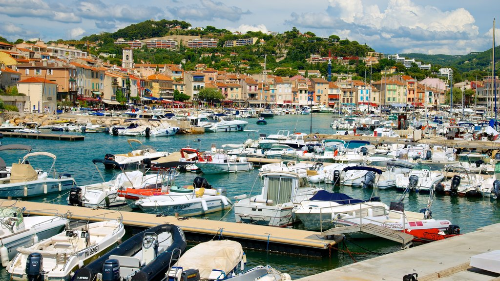 Cassis featuring boating, a marina and a coastal town