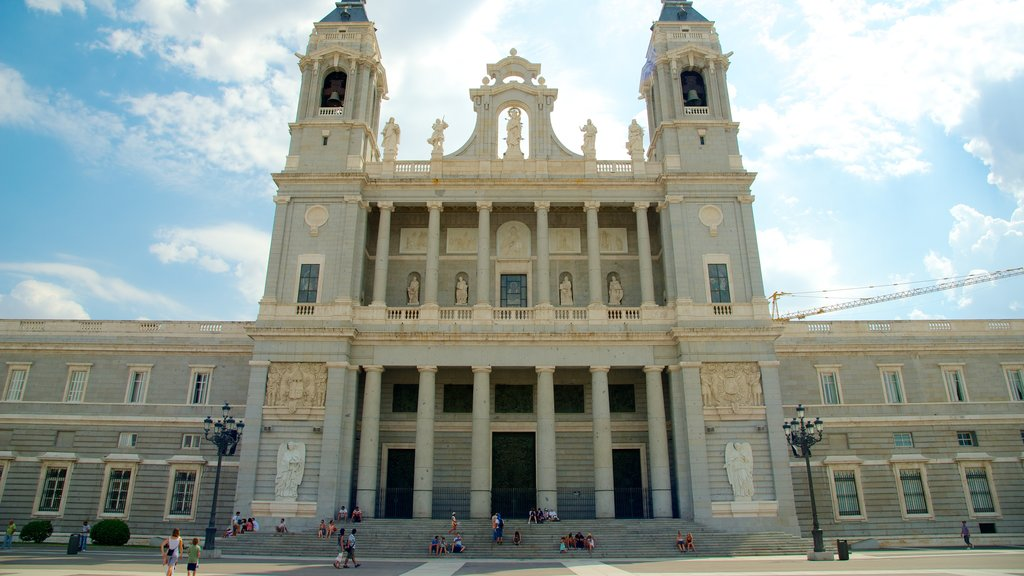Almudena Cathedral which includes a church or cathedral and heritage architecture
