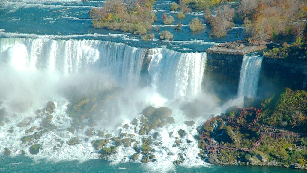 Bridal Veil Falls showing a cascade