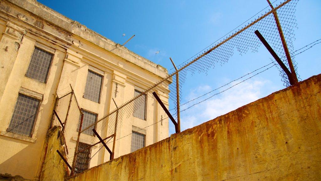 Alcatraz Island caracterizando elementos de patrimônio