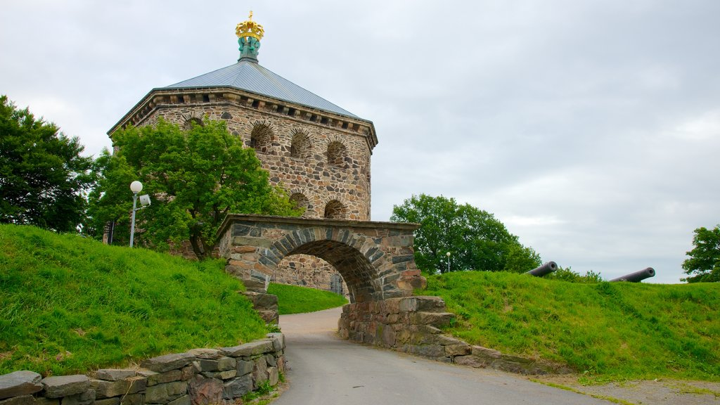 Skansen Kronan featuring chateau or palace and heritage architecture